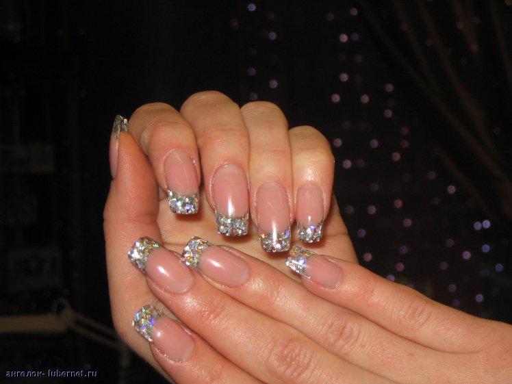Дизайн слюда на ногтях